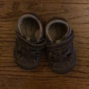 Stride Rite 5.5 W toddler shoe